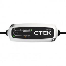 Cargador de baterías ctek...